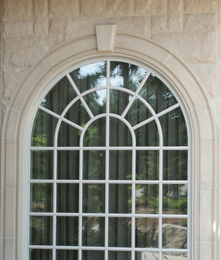 Molding #2 arch detail (MLD218S, MLD2A4) with keystone (KEY910) used to trim window.